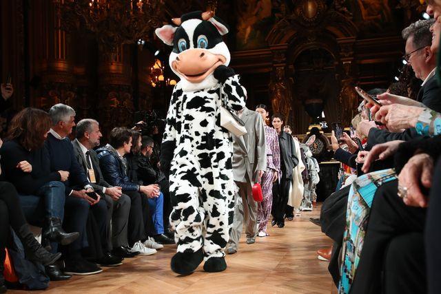 stella mccartney  runway   paris fashion week womenswear fallwinter 20202021