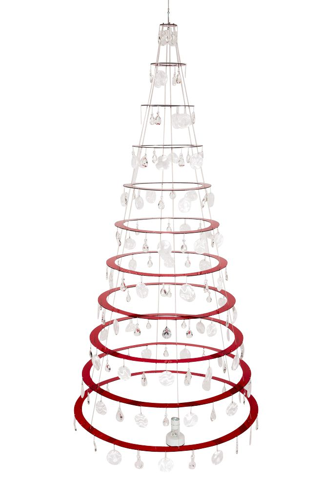 27 modern christmas trees for holiday decorations for Elle decor christmas tree