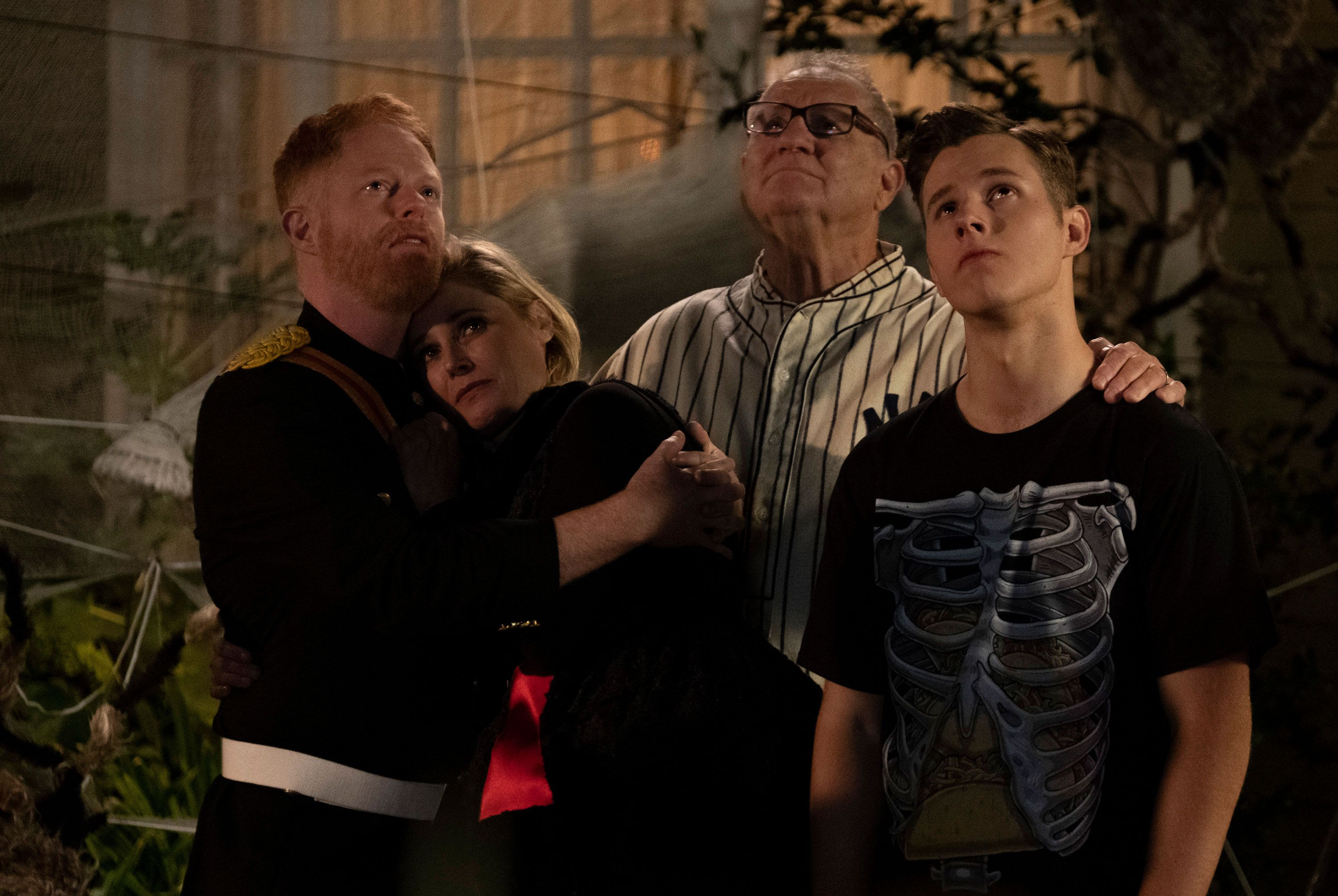 modern family kills recurring character in halloween episode