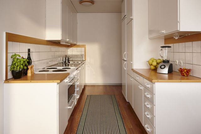 What Is A Galley Kitchen Galley Kitchen Pros And Cons
