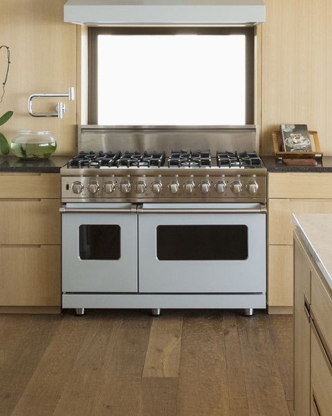Countertop, Room, Cabinetry, Kitchen, Kitchen stove, Furniture, Property, Floor, Tile, Gas stove,