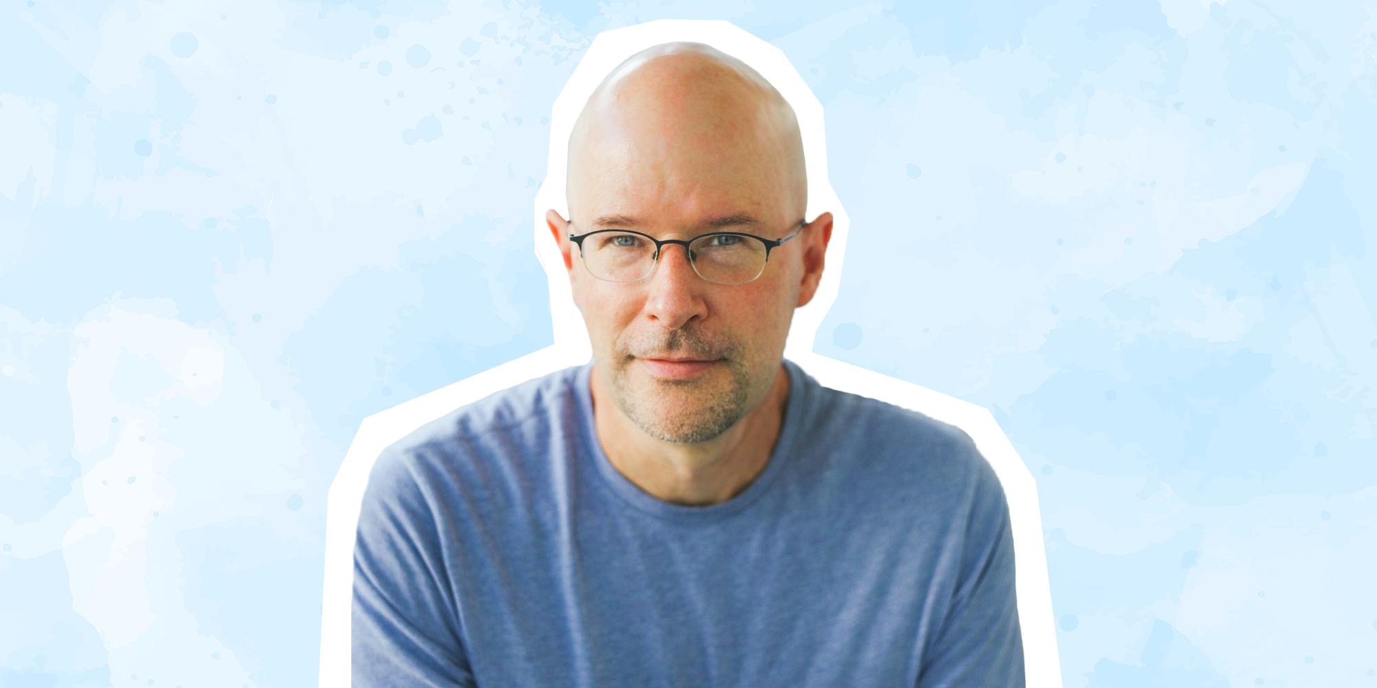 """Modern Love"" Editor Daniel Jones Reads 9,000 Relationship Essays a Year"