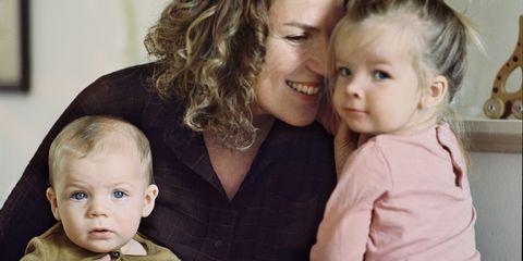Moeder met twee kinderen