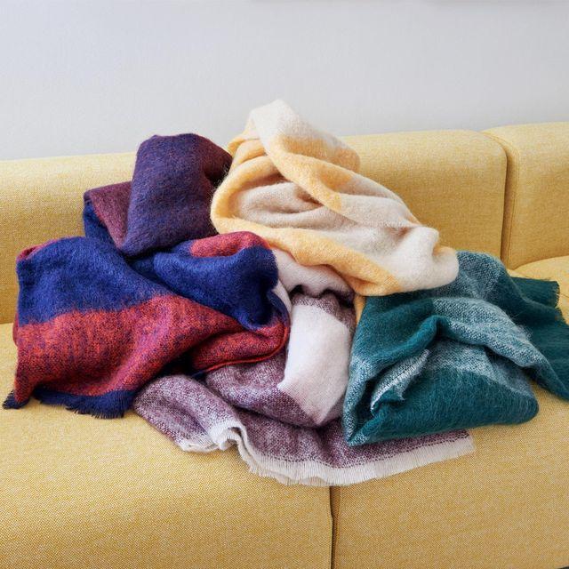 Clothing, Blue, Towel, Purple, Wool, Fur, Textile, Linens, Scarf, Outerwear,
