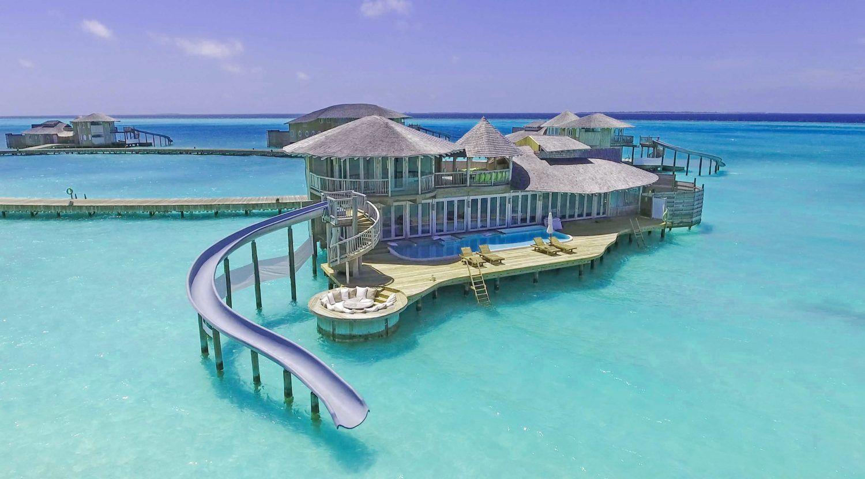 Con lo scivolo dalla suite all'Oceano, alle Maldive