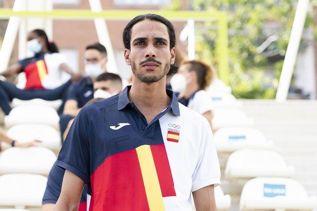 el atleta español mohamed katir antes de viajar a tokio 2020