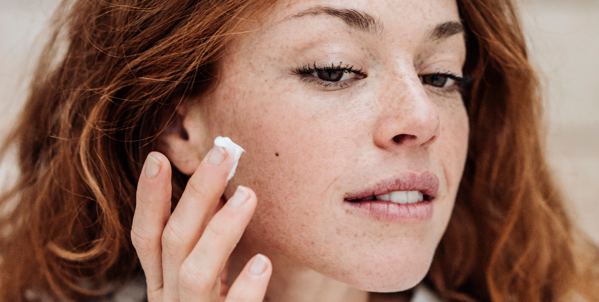 Dermatologists Say These Moisturizers Will Bring Your Dry Skin Back to Life