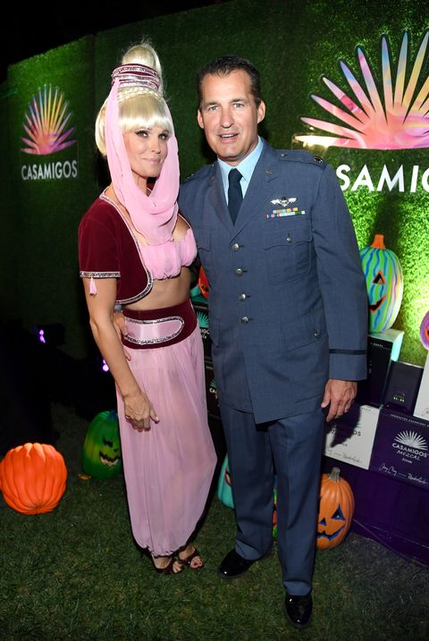 molly sims and scott stuber as jeannie and major nelson