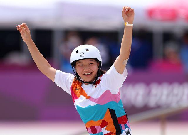 開催中の東京オリンピックで7月26日、新種目のひとつであるスケートボードの女子ストリートの予選と決勝が行われた。優勝したのは、13歳の西矢椛(もみじ)選手。金メダル獲得の日本最年少記録を更新した西矢選手について、知っておきたい4つのこととは──?