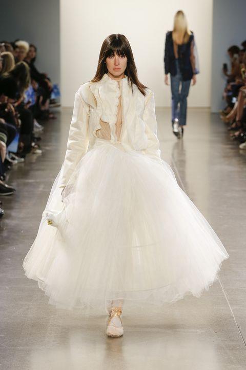 Fashion model, Fashion, Fashion show, Clothing, Runway, Shoulder, Haute couture, Dress, Gown, Event,