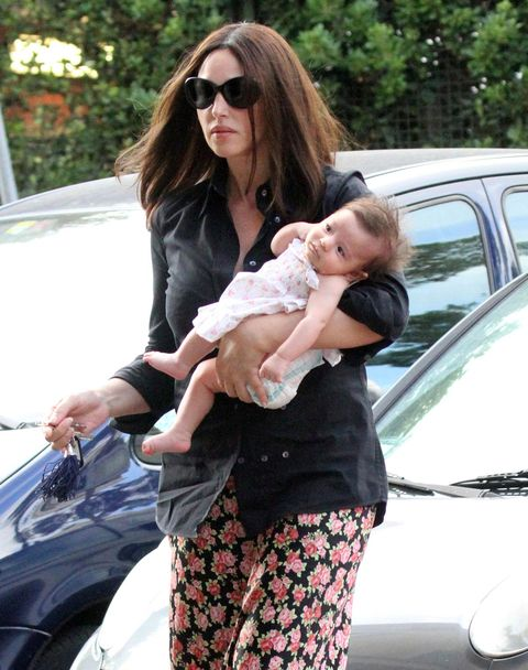 Monica Bellucci con su hija Léonie