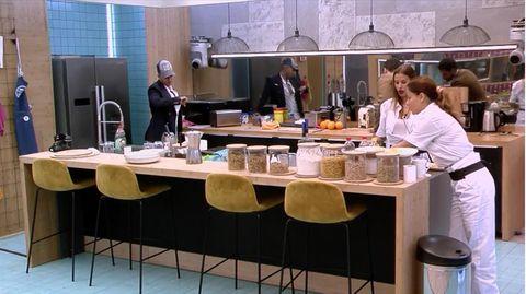 Mónica Hoyos escupe supuestamente sobre la comida en GH VIP 6