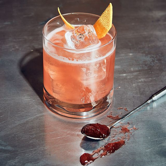 Drink, Non-alcoholic beverage, Alcoholic beverage, Classic cocktail, Food, Cocktail, Mai tai, Cocktail garnish, Rum swizzle, Distilled beverage,