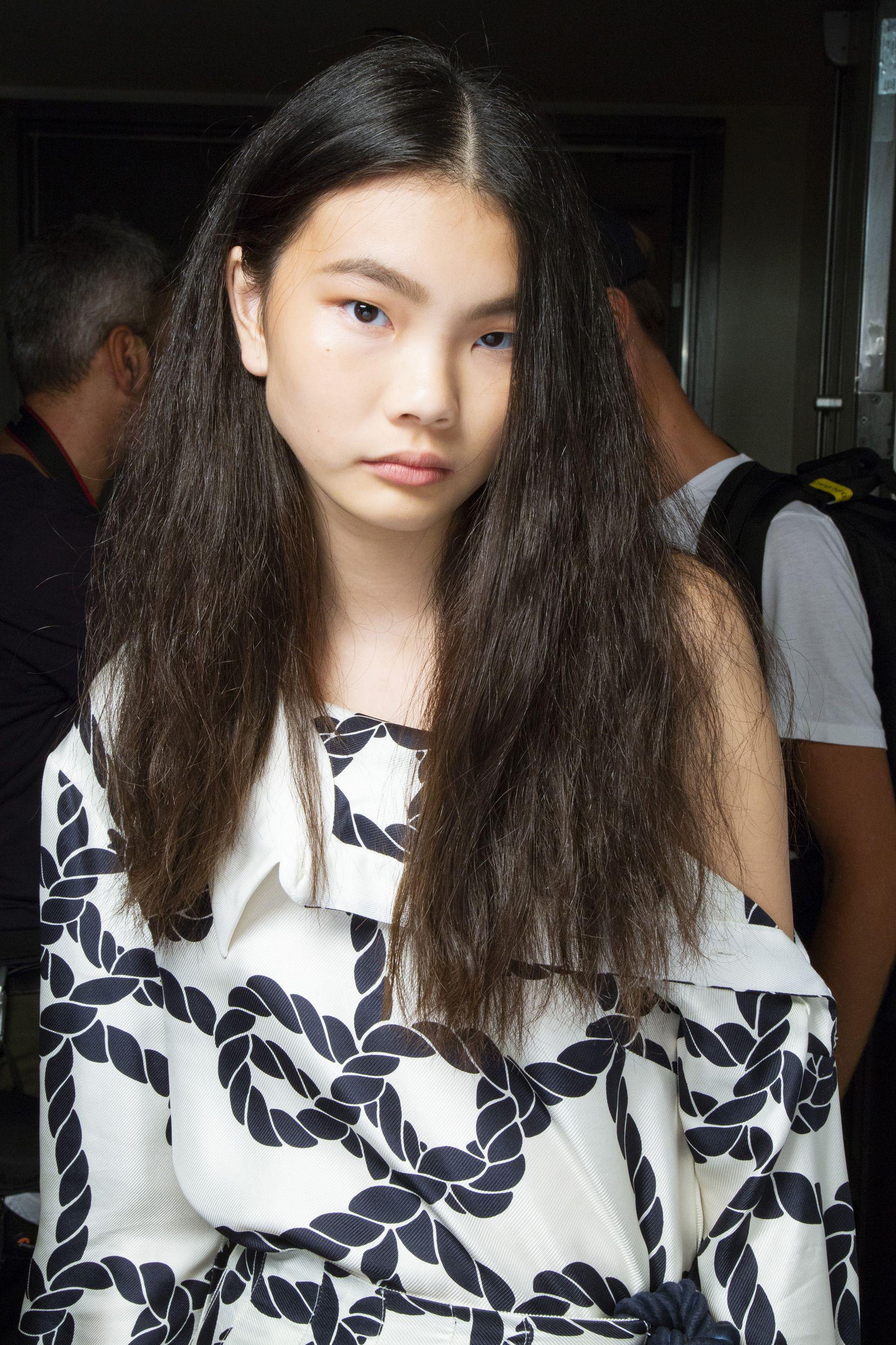 Asian girl calender 2008