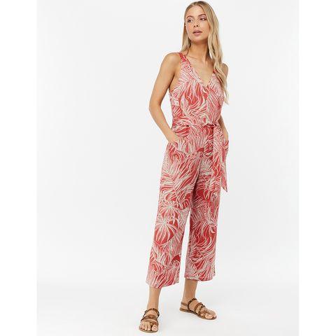 Clothing, Dress, Shoulder, Pink, Neck, Nightwear, Visual arts, Leg, Day dress, Gown,