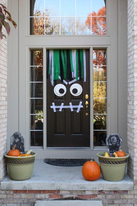 40 Best Outdoor Halloween Decoration Ideas - Easy Halloween Yard and Porch Decor & 40 Best Outdoor Halloween Decoration Ideas - Easy Halloween Yard and ...