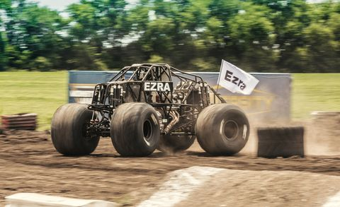 Motor vehicle, Off-road racing, Monster truck, Vehicle, Off-roading, Automotive tire, Tire, Car, Soil, Wheel,