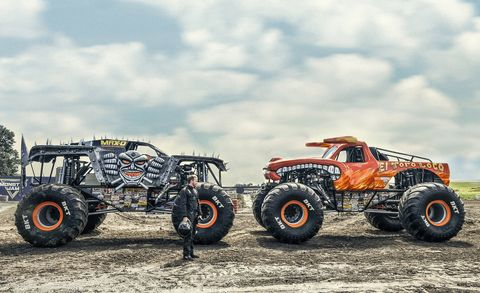 Vehicle, Monster truck, Automotive tire, Off-roading, Wheel, Tire, Motor vehicle, All-terrain vehicle, Off-road vehicle, Transport,