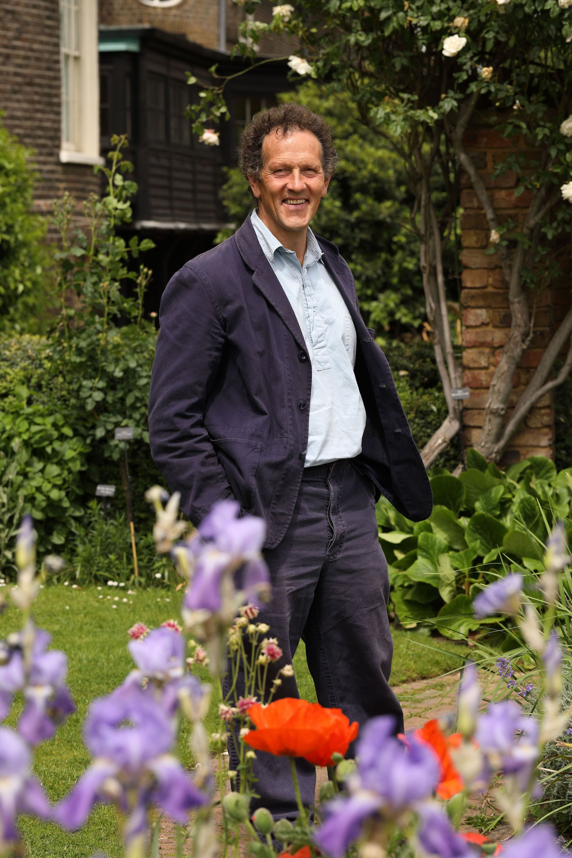 Tour Monty Don S Garden In Herefordshire Monty Don Longmeadow