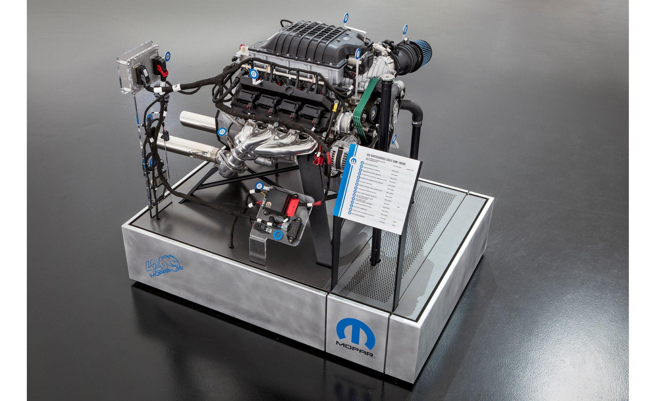 See and Hear Chrysler's 1000-HP Mopar 426 Hemi Crate Engine