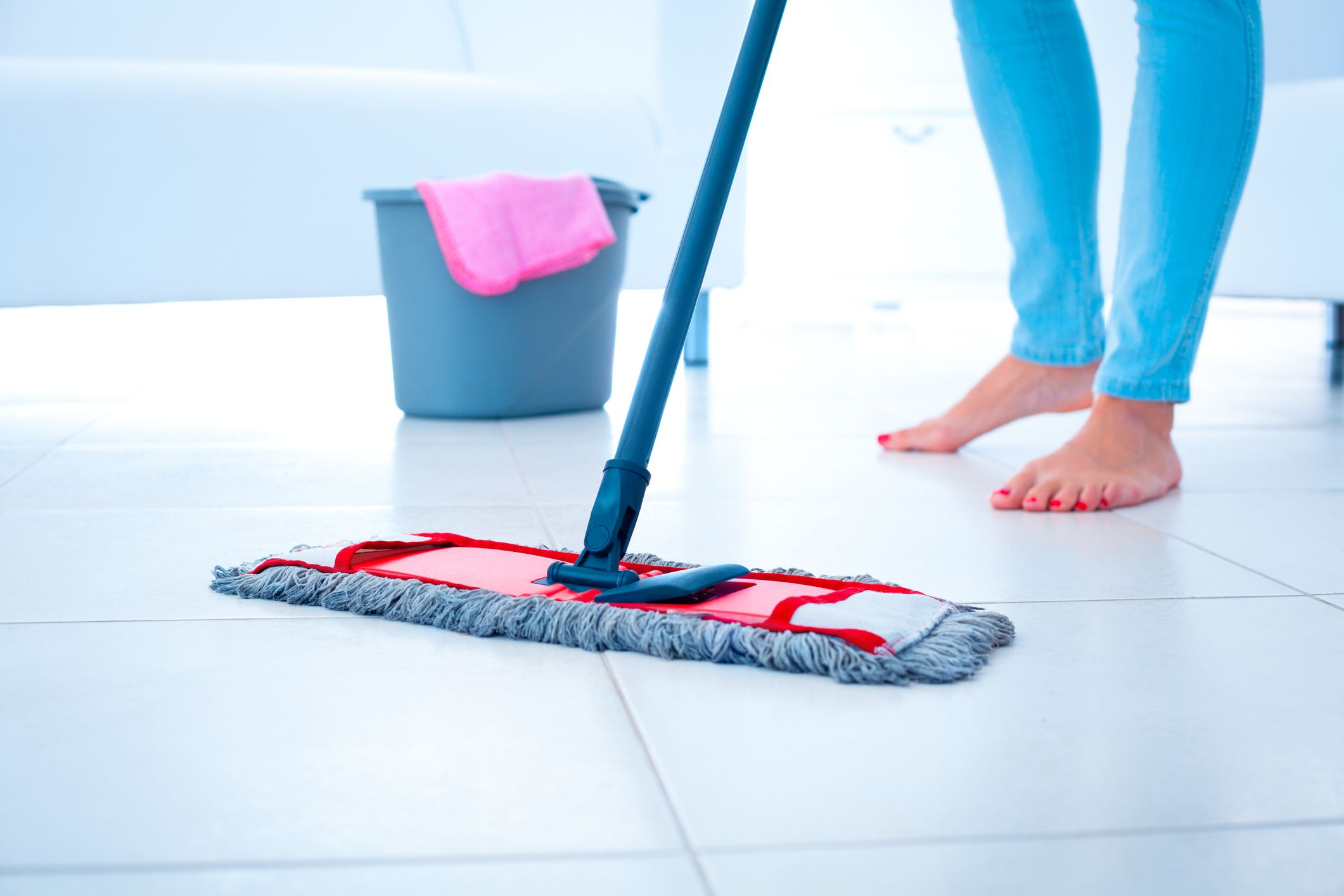 How To Clean Laminate Floors, What's Best To Clean Laminate Flooring