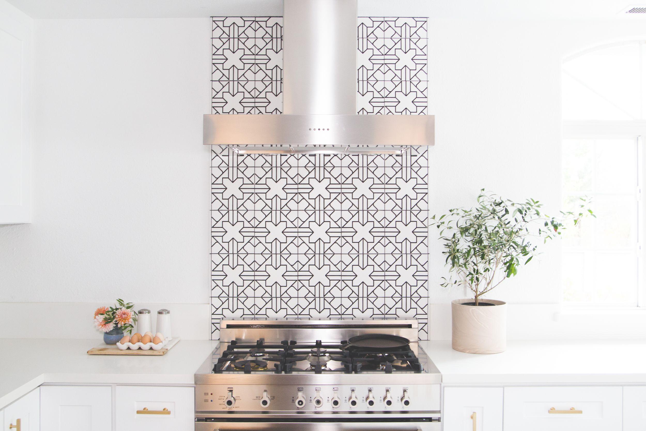 51 Insanely Chic Kitchen Backsplashes & Best Kitchen Backsplash Ideas - Tile Designs for Kitchen Backsplashes