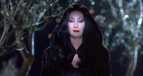 anjelica huston as morticia addams in the addams family 1991