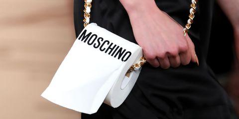 Style, Bag, Fashion accessory, Fashion, Wrist, Street fashion, Shoulder bag, Beige, Bracelet, Material property,
