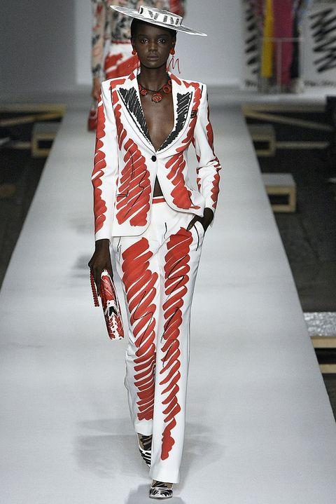 Fashion model, Fashion, Runway, Clothing, Fashion show, Fashion design, Haute couture,