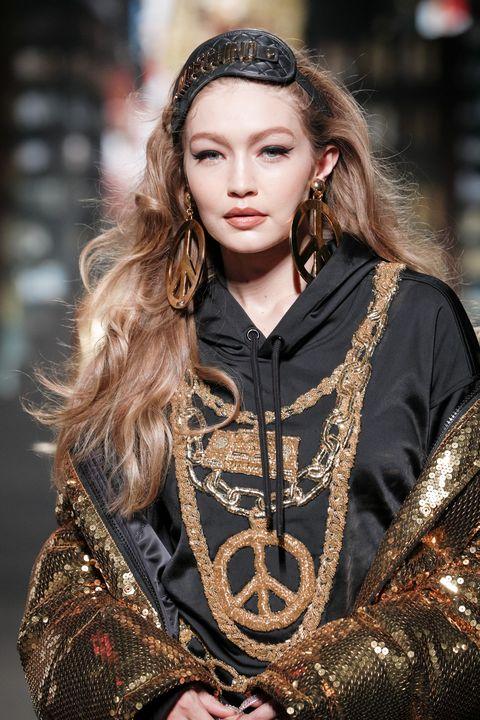 Hair, Fashion, Fashion model, Beauty, Hairstyle, Long hair, Model, Fashion design, Haute couture, Fashion show,