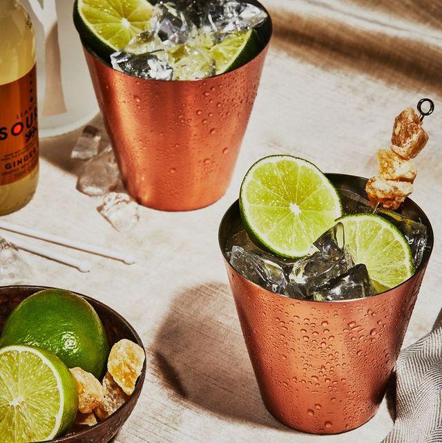 imagen de dos cocktails moscow mule