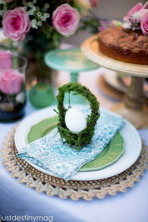 easter moss basket place setting with egg inside