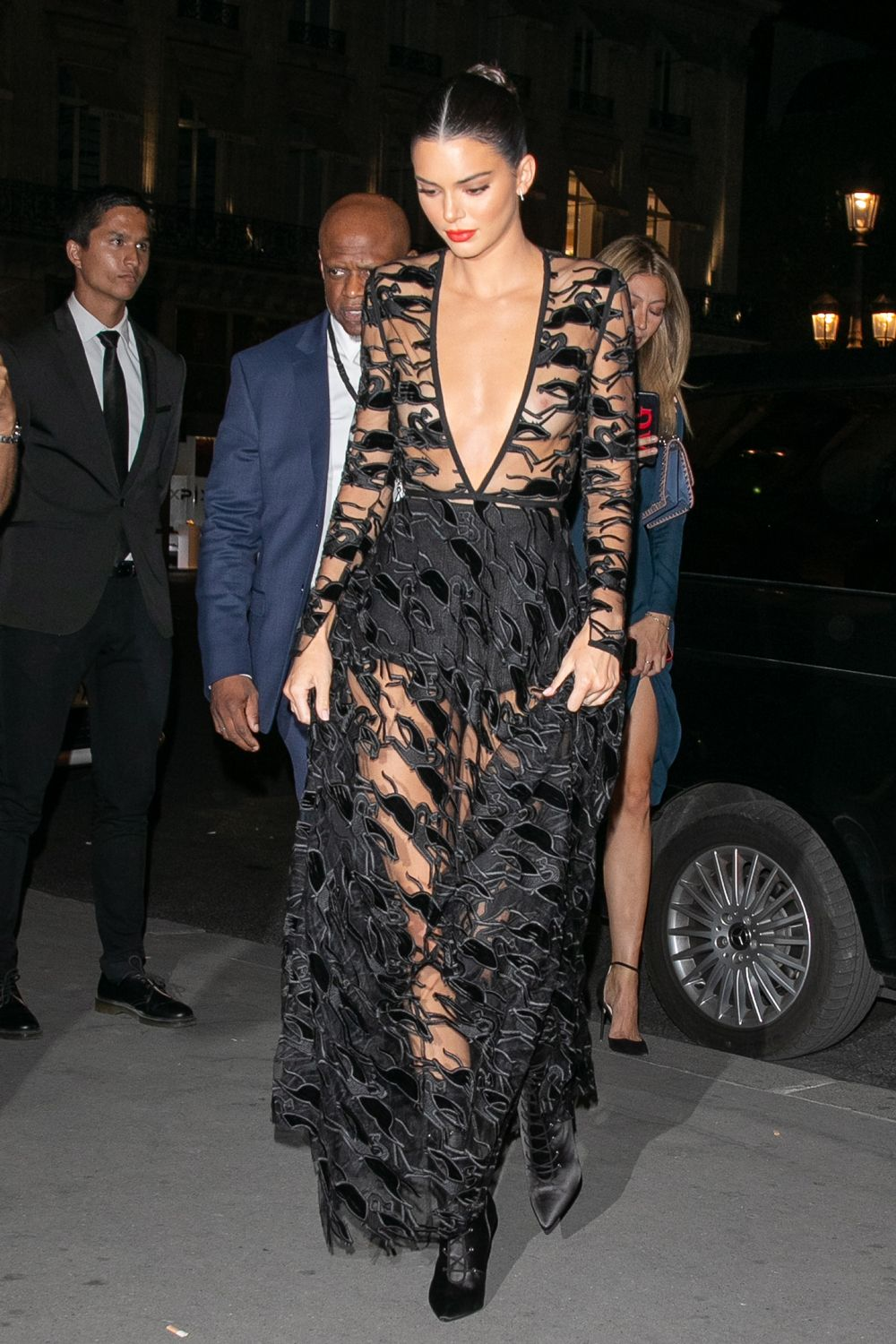 All Celebrity Naked Photos the 31 most naked celebrity dresses of 2018