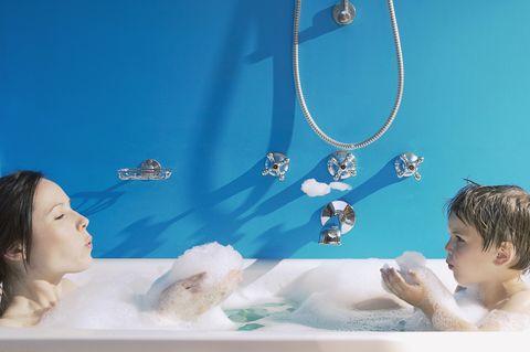 Date un baño con tus hijos