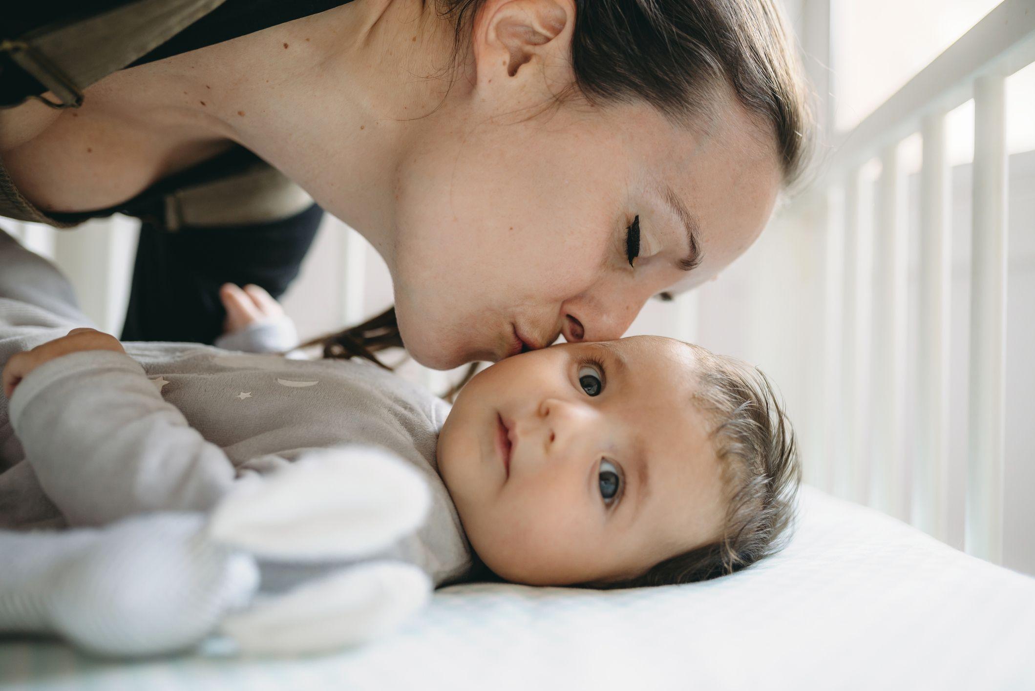 pasar al bebé a su cuarto