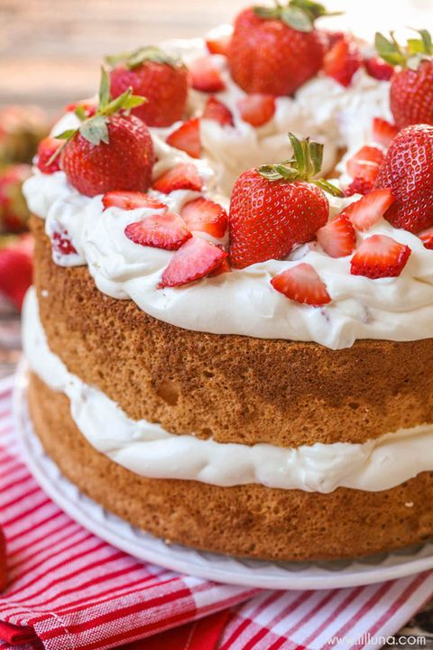 mothers day cake strawberry