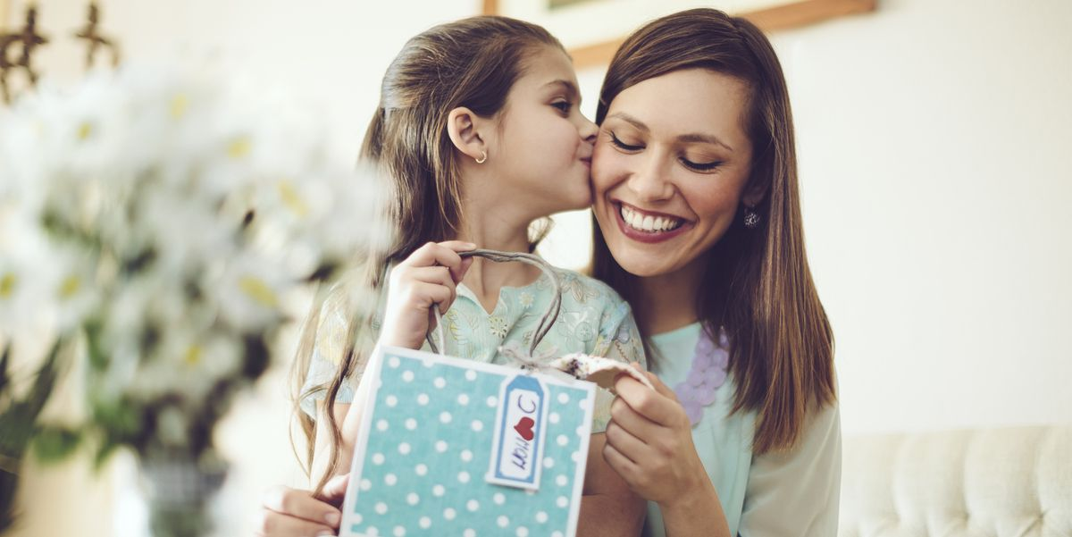 15 Adorable Gifts For Toddlers To Give Their Moms This Mother's Day