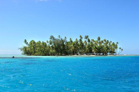 Body of water, Nature, Blue, Coastal and oceanic landforms, Natural landscape, Water, Ocean, Aqua, Horizon, Summer,