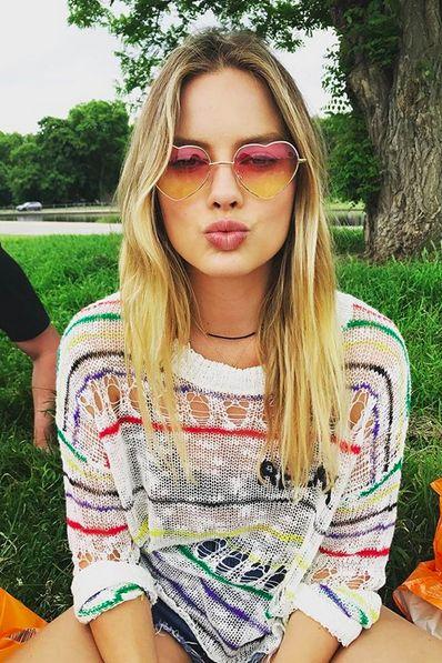 Eyewear, Hair, Face, Sunglasses, Glasses, Lip, Cool, Blond, Beauty, Yellow,