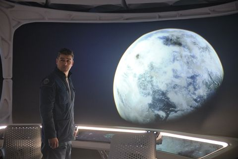 the midnight sky 2020kyle chandler as mitchell cr philippe antonellonetflix ©2020