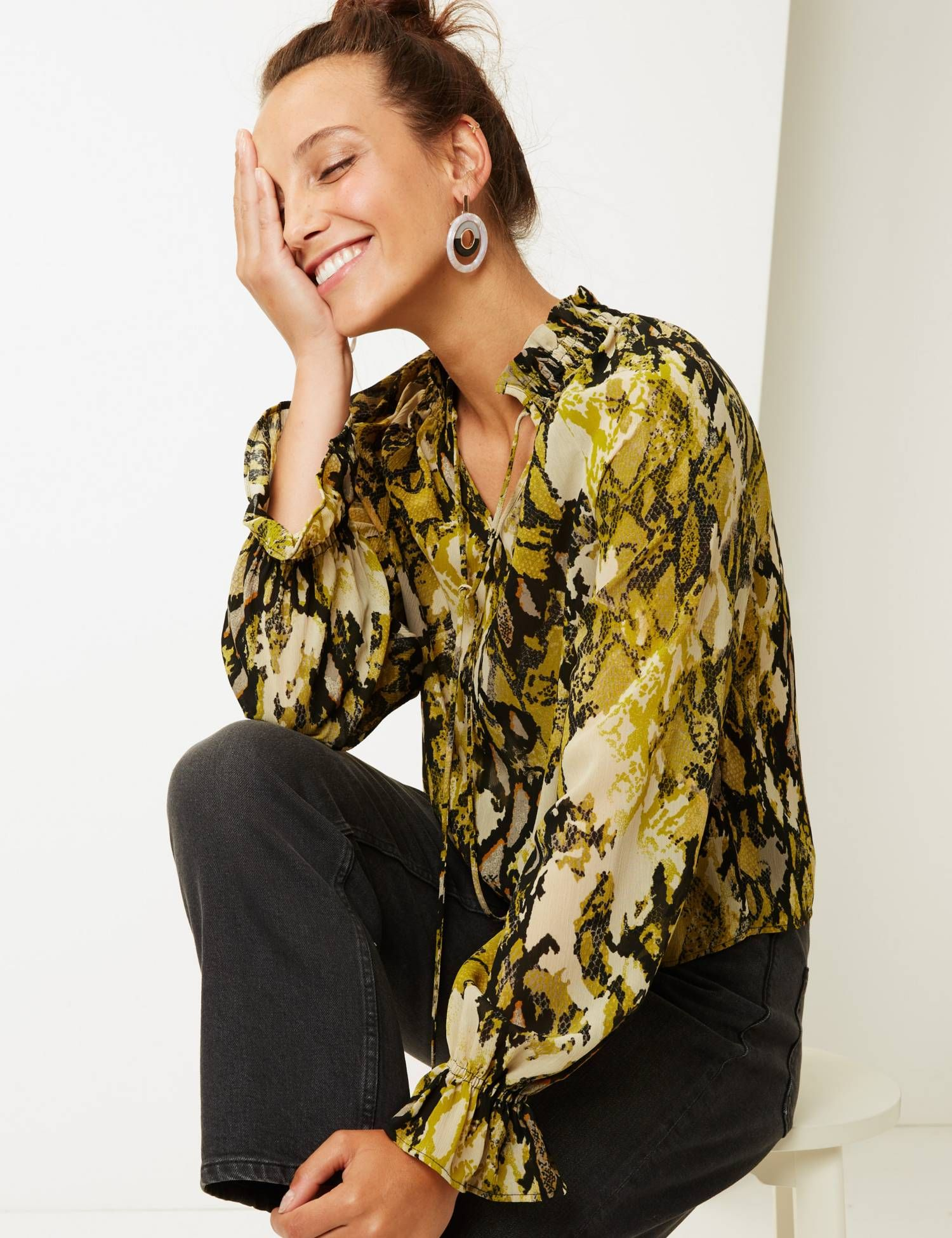 2d4b9b341eaf38 The best blouses for spring