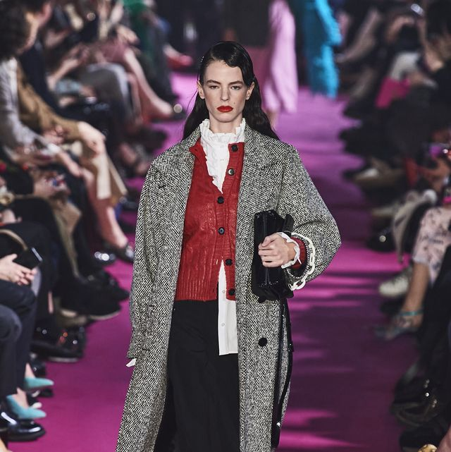 Fashion, Fashion model, Runway, Fashion show, Clothing, Haute couture, Event, Public event, Outerwear, Magenta,