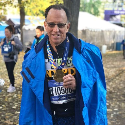 Doctor Saves Woman's Life at NYC Marathon, Then Finishes His Race