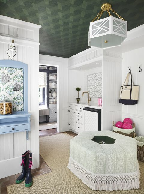 mudroom by lj savarie and michele frigon for 2020 lake forest showhouse