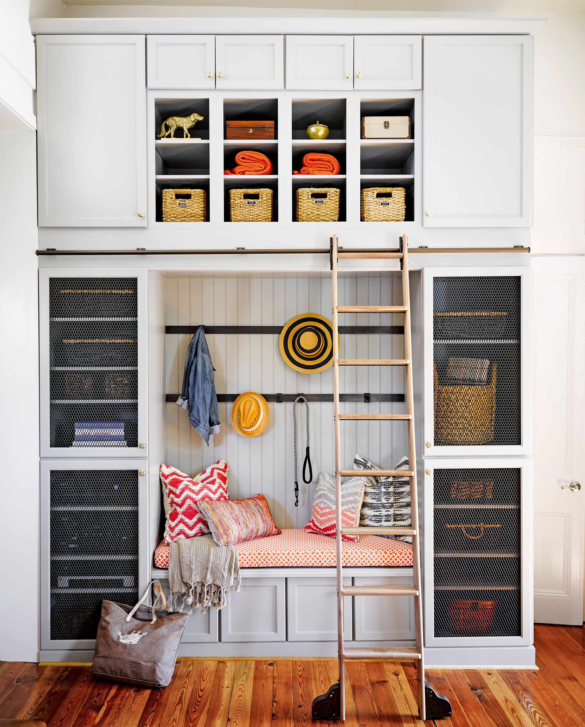 25 Stylish Mudroom Ideas 2021 Best Ways Organize A Small Mudroom