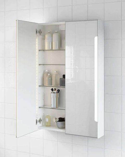 armario de pared para el baño con espejos y luz integrada