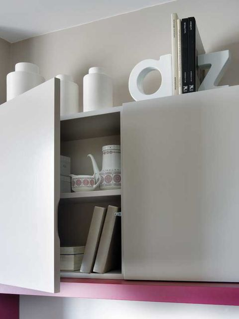 Shelf, White, Furniture, Shelving, Room, Wall, Interior design, Table, Material property, Bookcase,