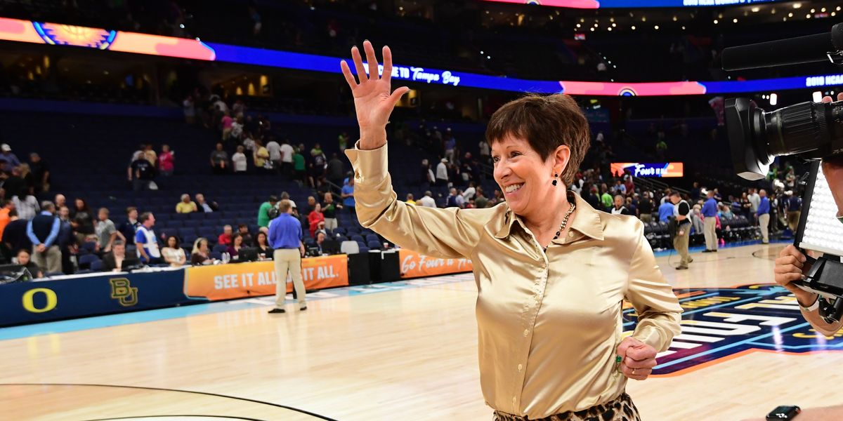 Watch Notre Dame Coach Muffet Mcgraw Speak Out For Gender -4334
