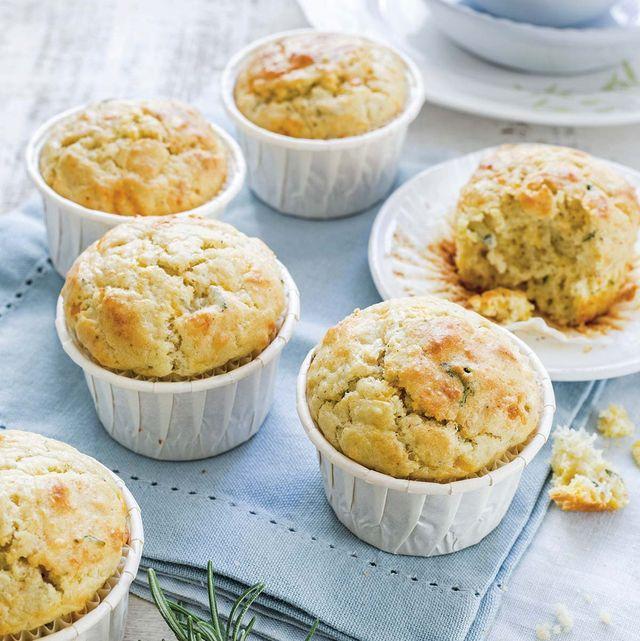 Muffins de gorgonzola y peras al romero