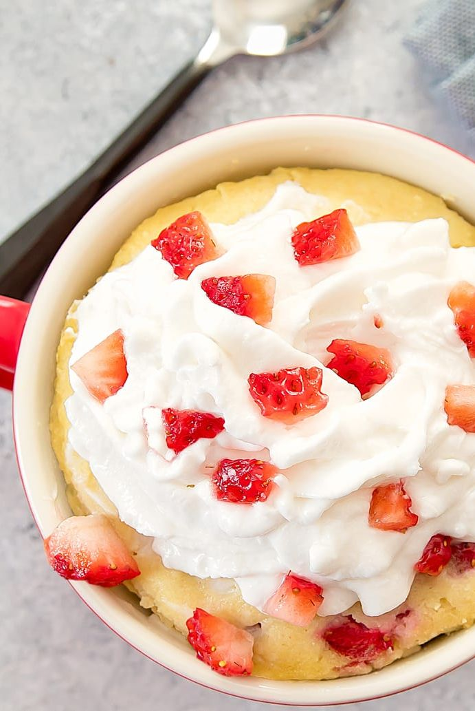mug cakes strawberry cream